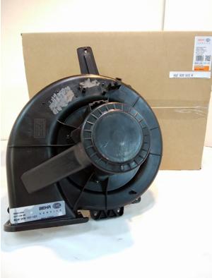フォルクスワーゲン ポロ(9N) エアコンブロアーモーター 6Q2820015H
