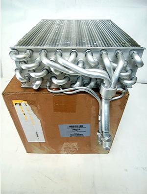 フォルクスワーゲン ゴルフ2(19RV) エアコンエバポレーター 357820103