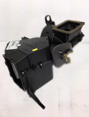 フォルクスワーゲン ポロ(6N) エアコンエバポレーター 6X2820007